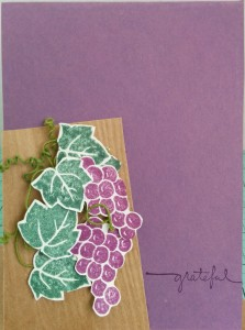 Fussy cut grapes and leaves, some green wire, a woodgrain embossing folder and be grateful sentiment - All come together to make this CAS card!
